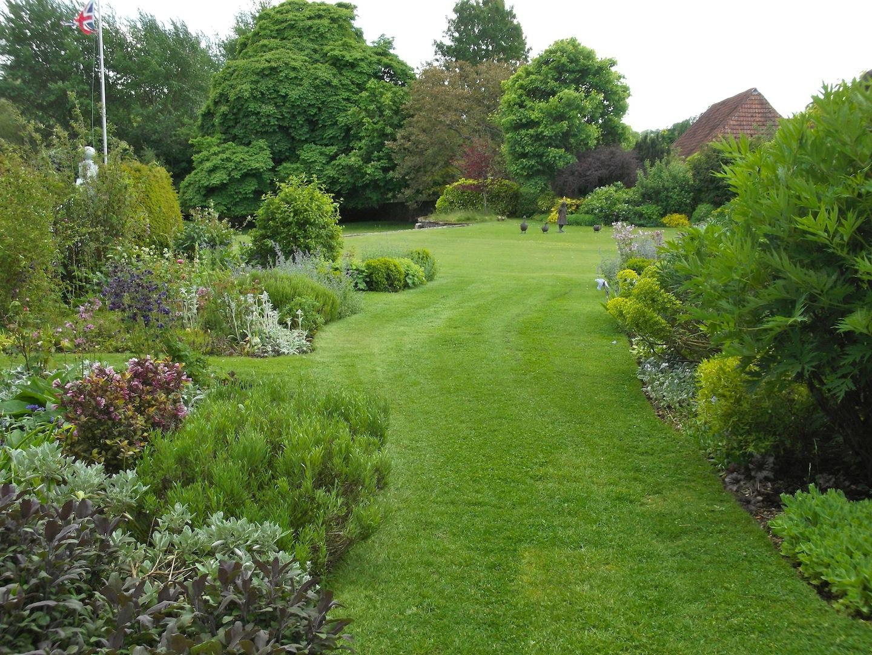 Garden design themes and styles portfolio cottage new for New landscape design