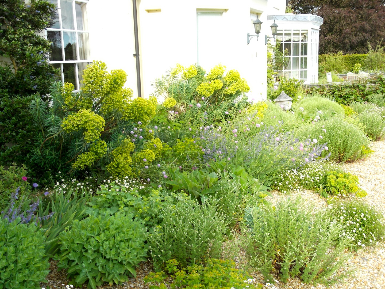 Garden design themes and styles portfolio cottage new for Garden design hampshire