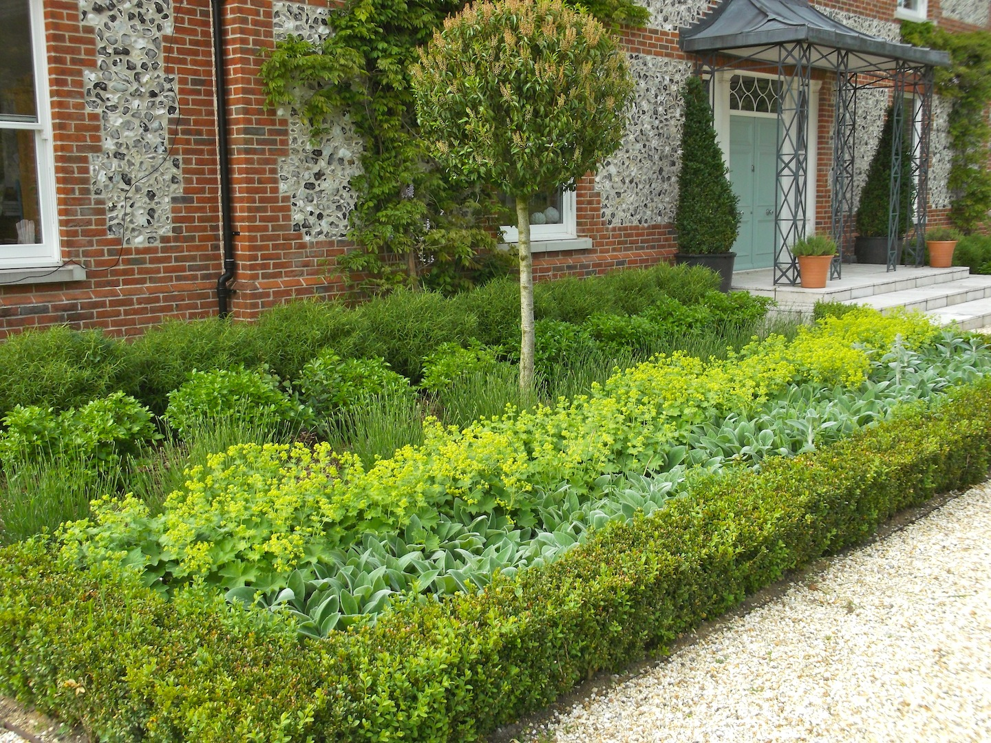 Garden design portfolio materials and features for Garden design planting schemes
