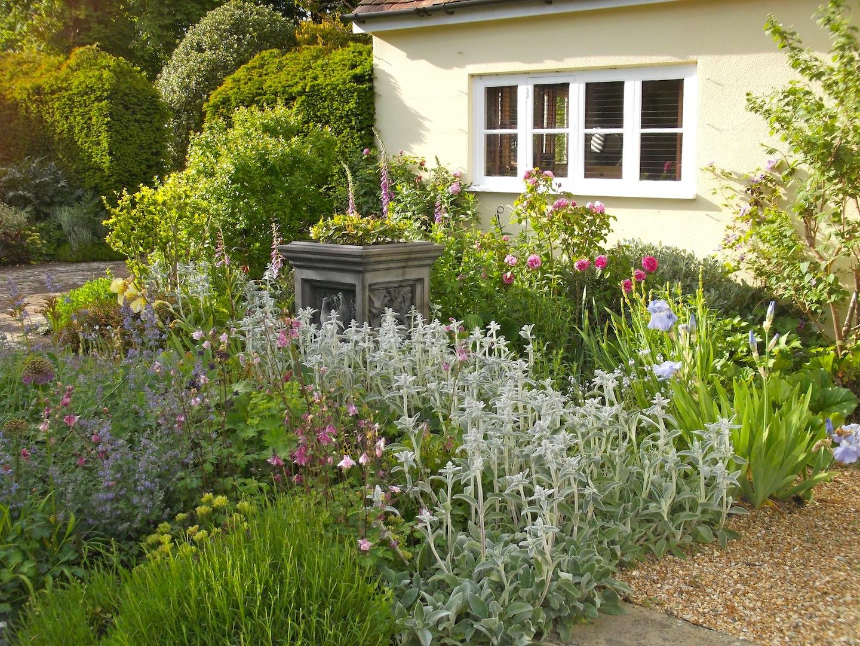 Traditional Garden Design Hampshire, Traditional Garden ...